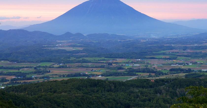 Mount Yotei, Hokkaido | ©663highland / Wikimedia Commons