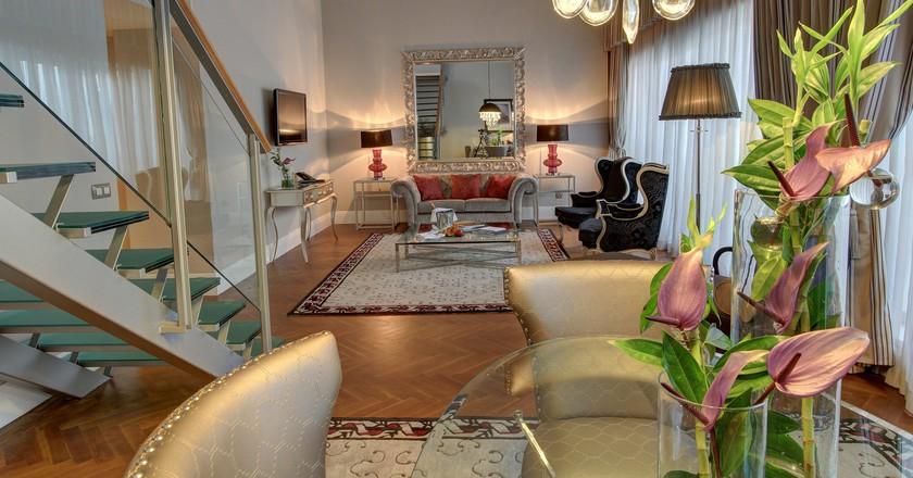 Executive Duplex Suite Lounge
