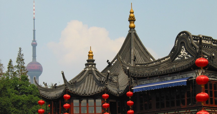 Shanghai Contrasts | ©Nils and Aracell Jonsson/Flickr