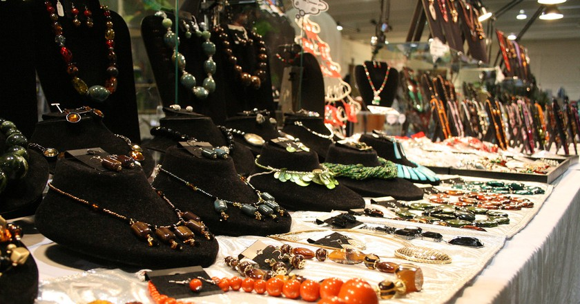 Flea Market Jewelry |  © Lindsey Turner / Flickr