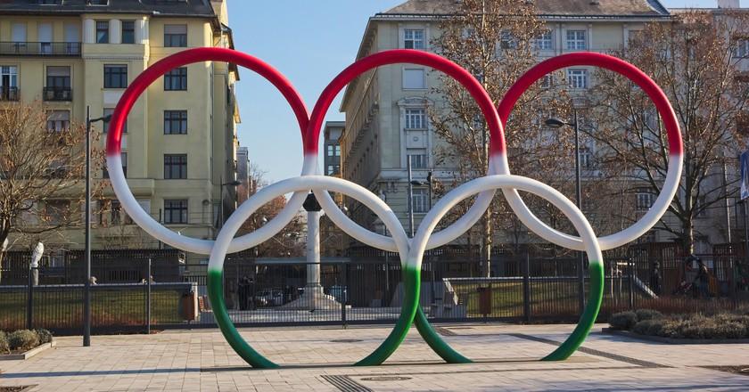 Olympic rings at Olimpia Park in Budapest   © Flickr/José Manuel García