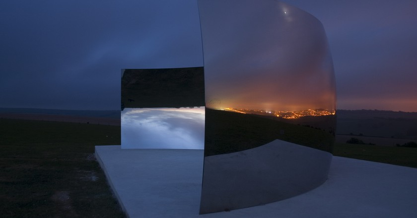 Anish Kapoor, C-Curve (2007). Courtesy of Dominic Alves/Flickr