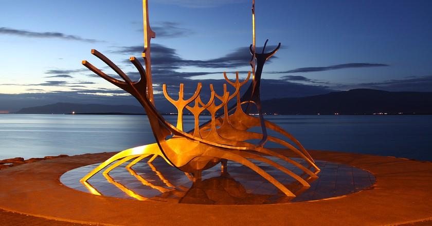 The Icelandic Sunship at midnight | © O Palsson / Flickr