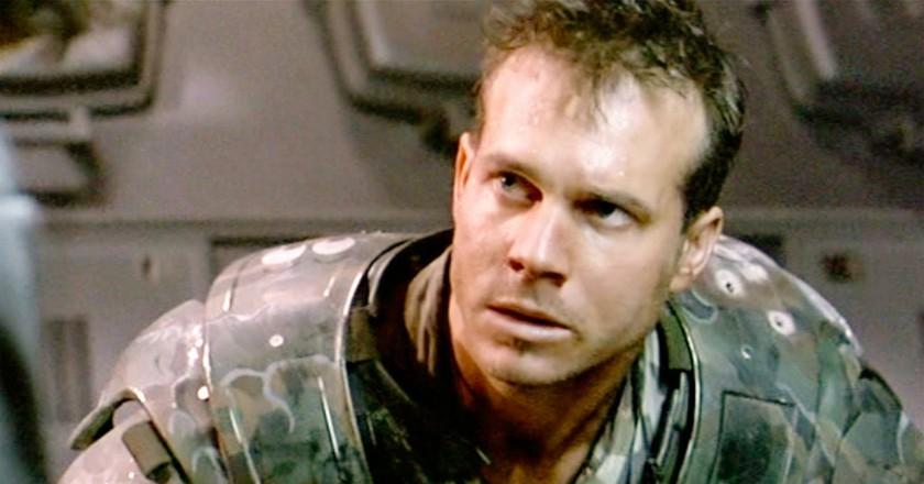 Bill Paxton Dies at 61, Versatile Actor in 'Terminator,' 'Aliens,' 'Twister,' and 'Titanic'