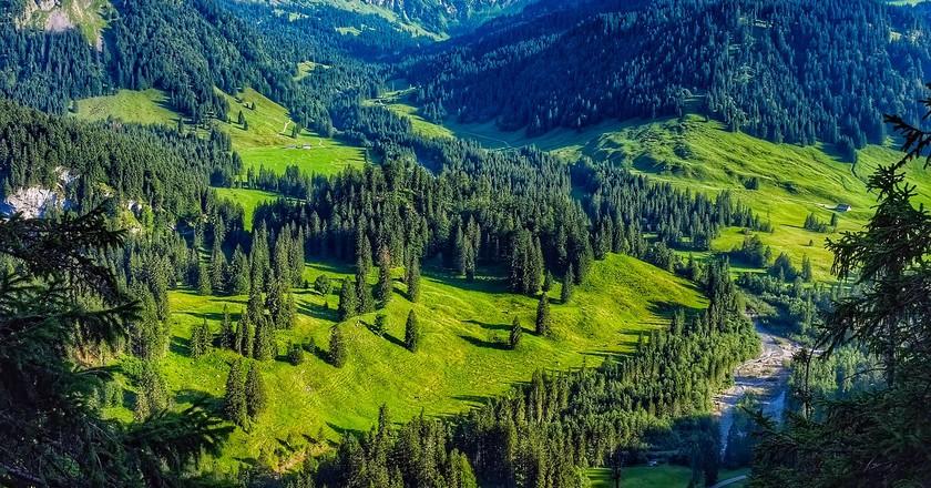 "<a href = ""https://pixabay.com/en/austria-mountains-landscape-scenic-1894751/""> Austria |  © tpsdave / Pixabay"