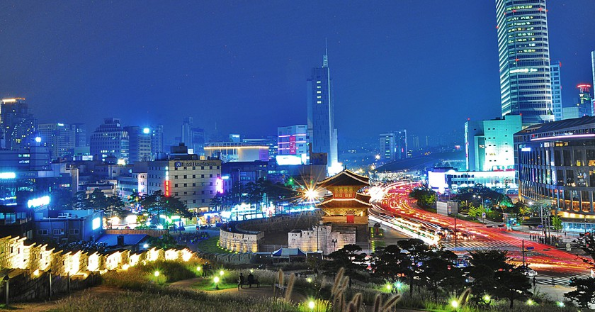 Dongdaemun City Wall Park   © Linda Dunsmore