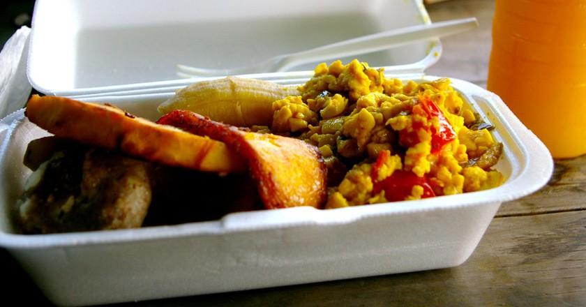 Jamaican breakfast courtesy of Livity in New Kingston | © Christina Xu/Flickr
