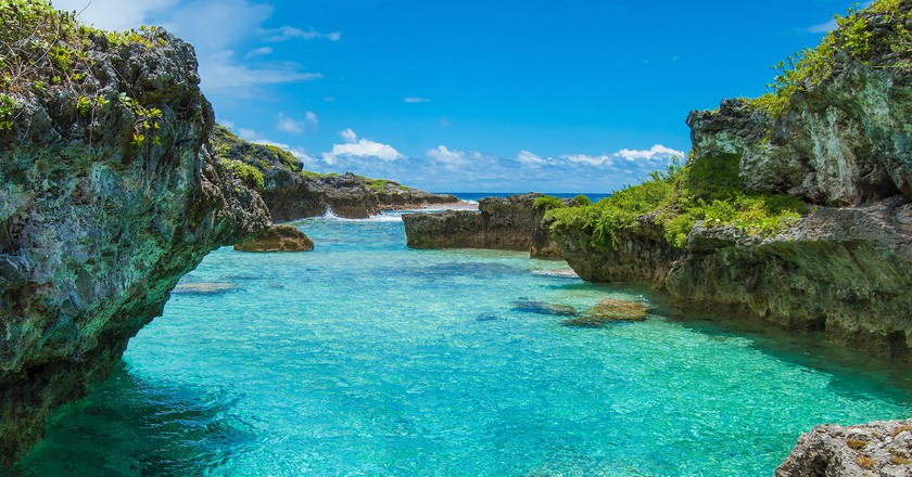 The Limu Pools, a favourite swimming and snorkelling spot in Niue   ©Juliette Sivertsen