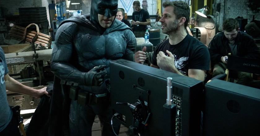 Ben Affleck and Zack Snyder on the set of 'Batman vs Superman'   © Warner Bros
