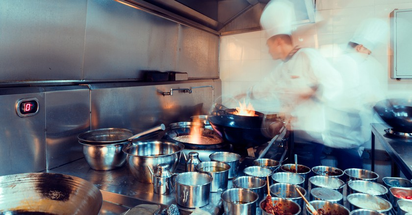 A restaurant kitchen | © L.F/Shutterstock