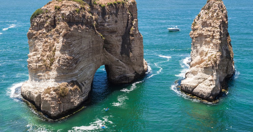 Pigeons' Rock limestone island in Beirut, Lebanon   © Aleksandr Sadkov / Shutterstock