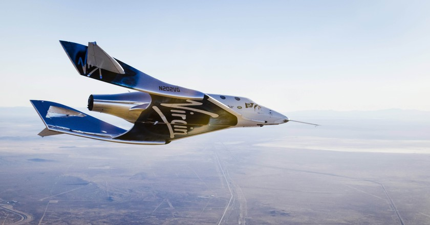 Virgin Spaceship Unity (VSS Unity) glides for the first time after being released from Virgin Mothership Eve (VMS Eve) over the Mojave Desert | © Virgin Galactic