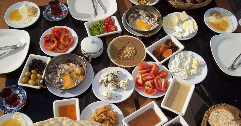 Turkish Breakfast  | © Tanyel / WikiCommons