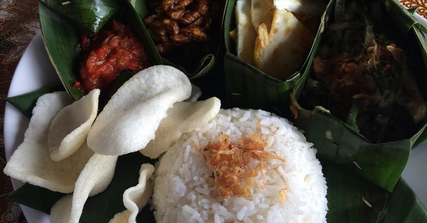 Vegetarian nasi campur in Bali | © Kars Alfrink / Flickr