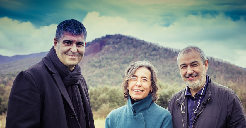 Rafael Aranda, Carme Pigem and Ramon Vilalta   Photo by Javier Lorenzo Domínguez / Courtesy of the Pritzker Architecture  Prize