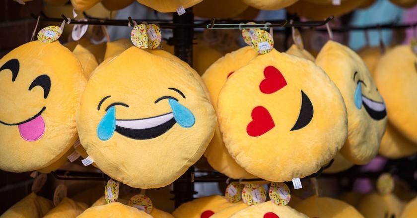 Emoji cushions | © Frank Behrens / Flickr