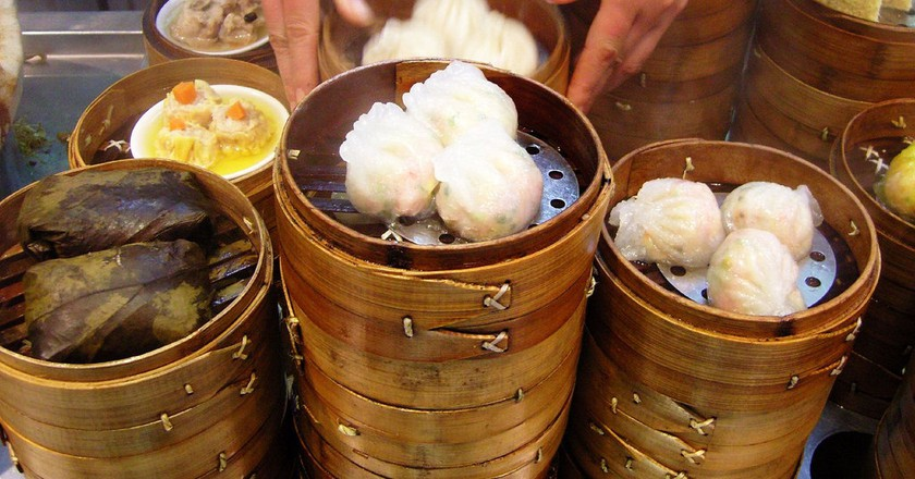 Steamers in Xujiahui | ©James Creegan/Flickr