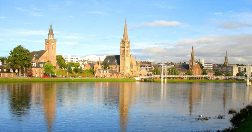 River Ness Waterfront | © leannetpf/Flickr