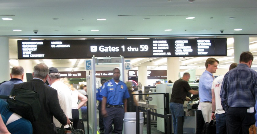 Orlando Airport Security © frankieleon/Flickr