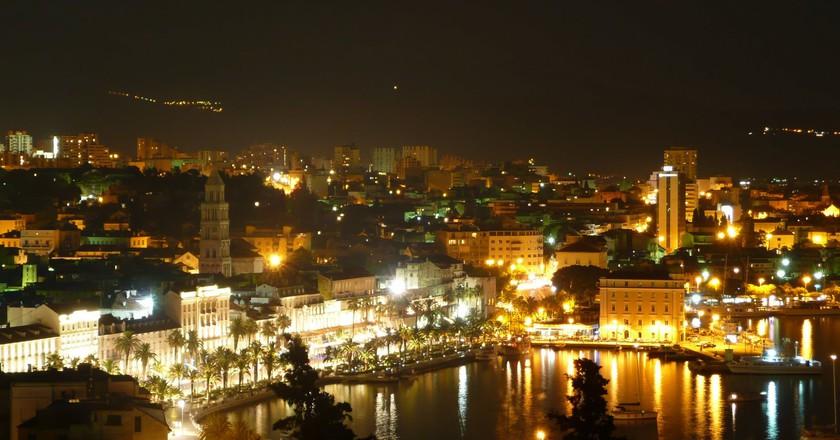 Split at night | © Tours in Croatia/Flickr