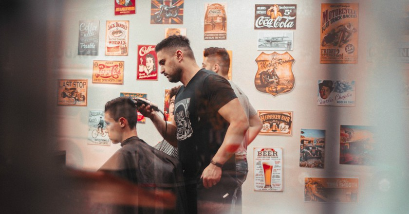 Hipster Barber Shop   ©Allef Vinicius / Stocksnap