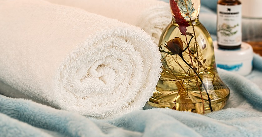 Massage Therapy Essential Oils | © stevepb/Pixabay