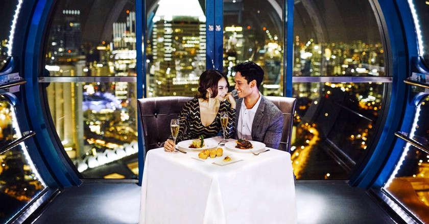 Premium Sky Dining Flight | Courtesy of the Singapore Flyer