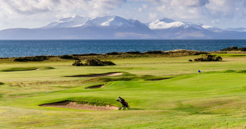 Great Day To Play Golf On Isle Of Arran | © Ales Micola / Shutterstock