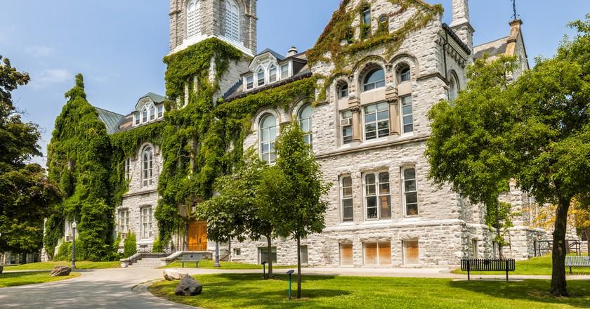 Theological Hall Building at Queen's University   © Elena Elisseeva / Shutterstock