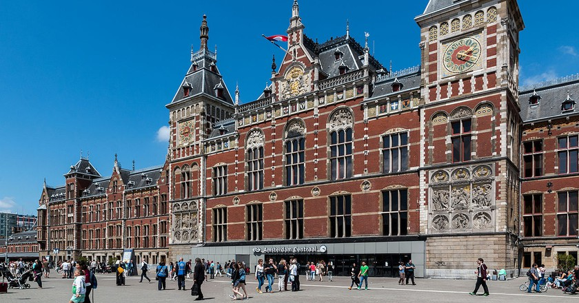Amsterdam's Centraal Station | © Dietmar Rabich / WikiCommons