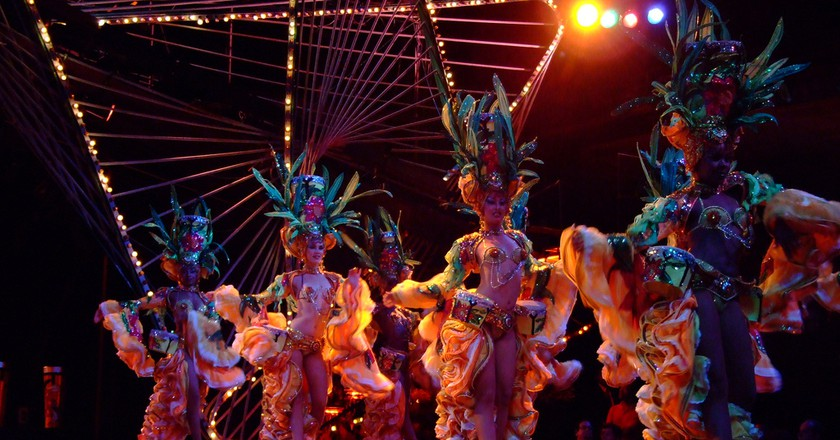 Tropicana opening number | © jennicatpink/Flickr