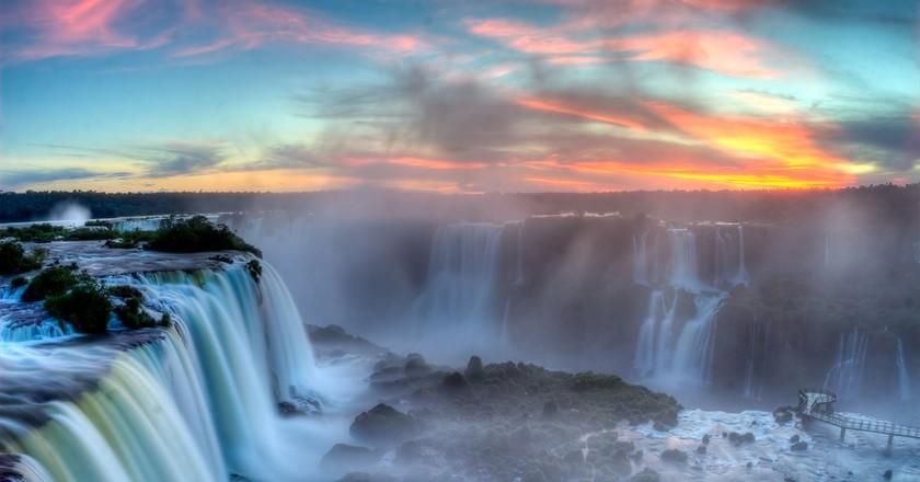 Sunset over Iguazú © SF Brit / Flickr