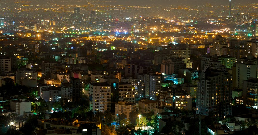The evening skyline of Tehran | © Babak Farrokhi / Flickr