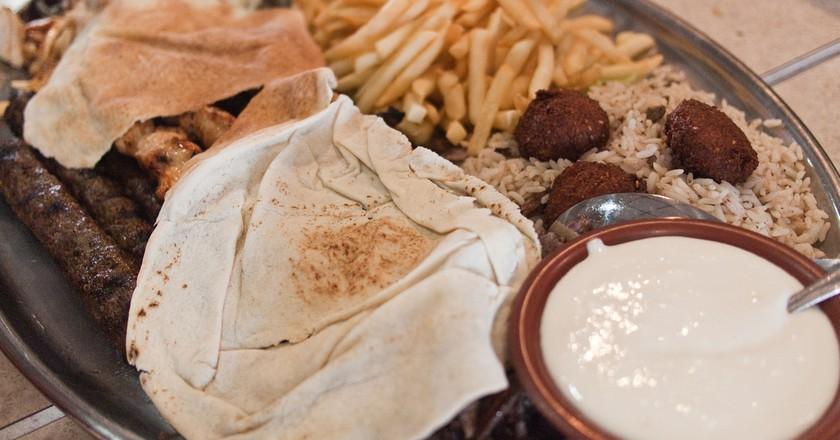 Al-Ameer Restaurant, Dearborn Michigan | © Edsel Little / Flickr