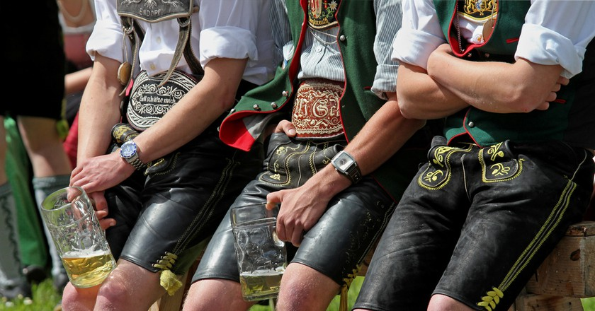 Lederhosen clad men |  ©  MEINE HEIMAT [Chiemgau] / Flickr