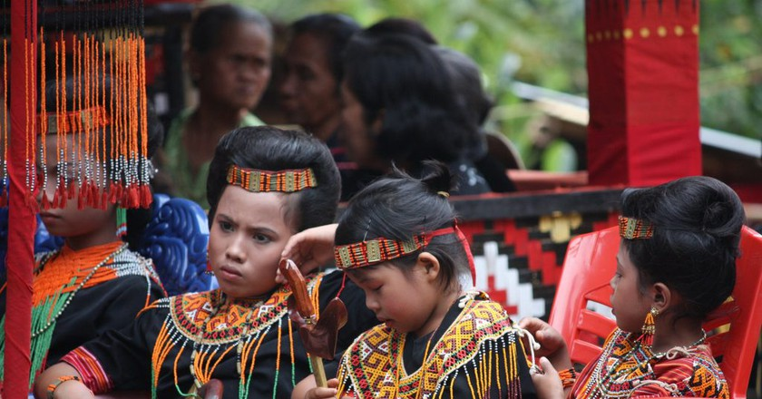 At a Tana Toraja funeral in Indonesia | © Arian Zwegers/Flickr