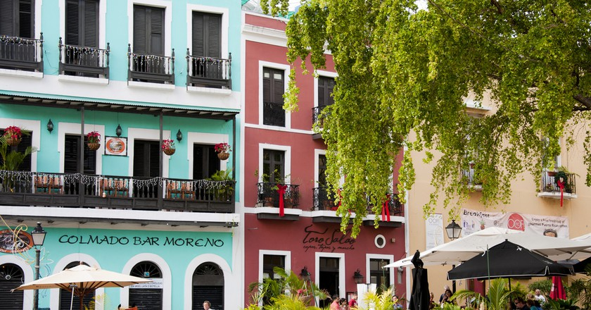 Colorful buildings and outdoor dining in Old San Juan | © vxla/ Flickr