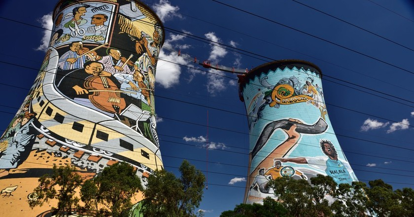 Orlando towers, Soweto | © South African Tourism/Flickr