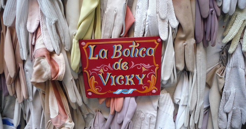 Display of evening gloves in San Telmo, Buenos Aires    © Cary Bass-Deschenes / Flickr