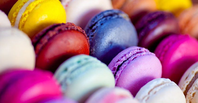 Display of vibrant macarons | © Wikimedia Commons