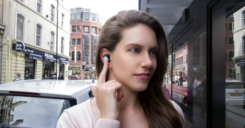 Mymanu Clik earpiece | Courtesy Mymanu
