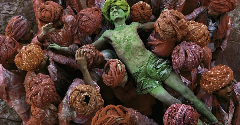 "Steve McCurry, ""Holi festival, Rajasthan, India"", 1996"