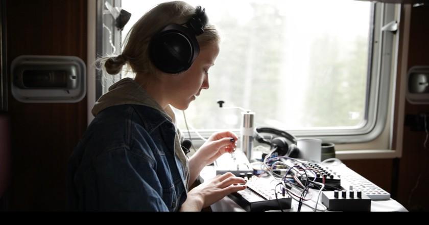 Ester Ideskog recorded her new album on the Trans-Siberian Railway | © Pia Lehto/Frida Åberg