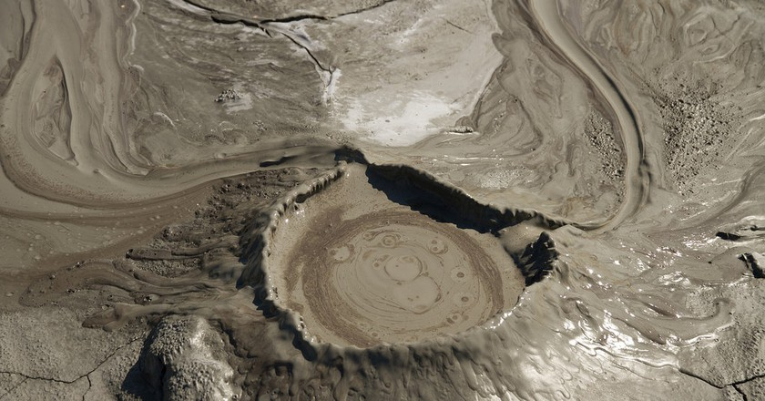 Mud Volcano Cone | © Cristiana Bardean /Flickr