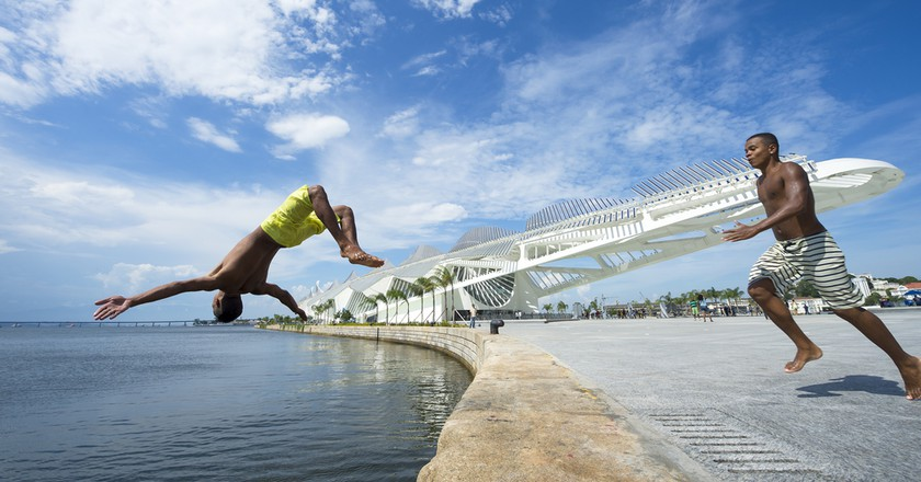 Guanabara Bay from the wall at Maua Plaza in front of the Museum of Tomorrow | © lazyllama/Shutterstock
