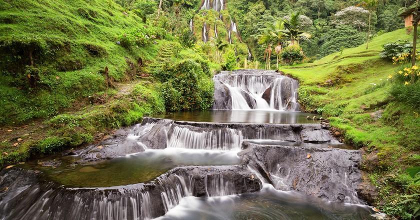 Waterfall near the Santa Rosa Thermal Spa in Santa Rosa de Cabal in Colombia | © Danaan/Shutterstock