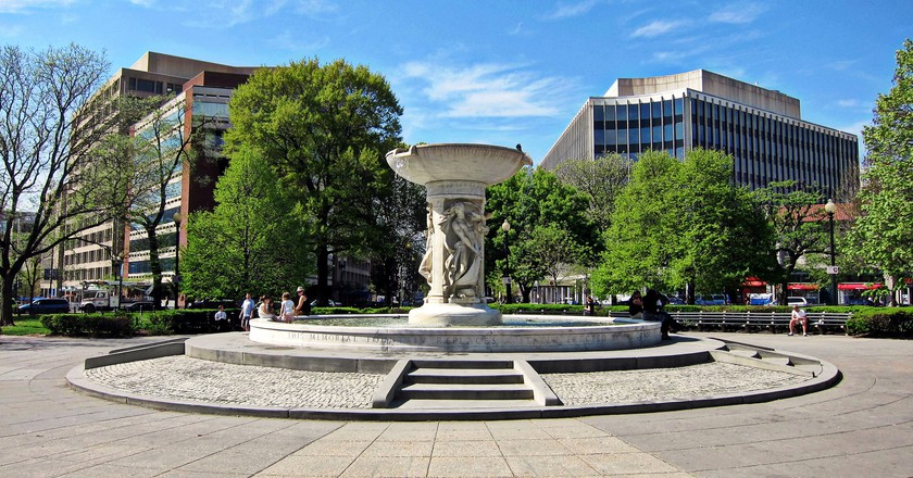 Dupont Circle Fountain   © Josh / Flickr
