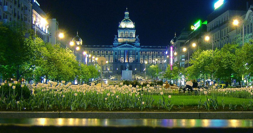 A night shot of the National Museum |©Me haridas / Wikimedia Commons