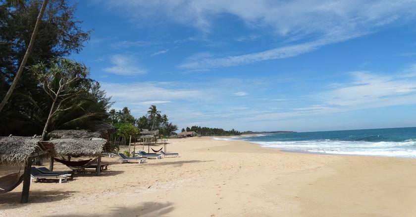 """<a href=""""https://www.flickr.com/photos/adam_jones/13893196909"""" target=""""_blank"""" rel=""""noopener noreferrer"""">Sri Lankan beaches   © Adam Jones / Flickr</a>"""