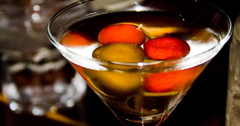 "<a href""https://www.flickr.com/photos/feverblue/2397682302"">Martini | Will Keightley / Flickr</a>"